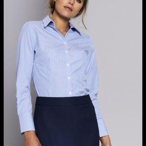 ❤️5/40❤️Suzy Shier baby blue button down shirt